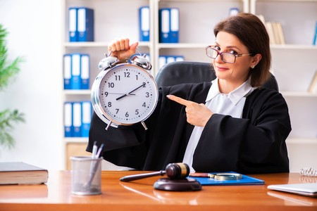 Arbeitszeit berechnen mit gesetzlichen Pausenzeiten